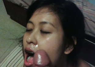 Maggie can't live without to engulf farang dick and swallow cum!