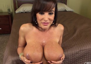 Lisa Ann is a cougar that needs that hard 10-Pounder to get off