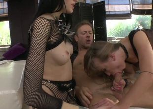 Michelle R gets her booty butthole fucked by Rocco Siffredi for your viewing fun after she gets her mouth drilled