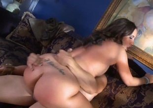 Kelly Devine gets the aperture betwixt her ass cheeks fucked by hard knob